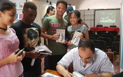 Momentos en el  Stand de firma de Libros FilCuba2018